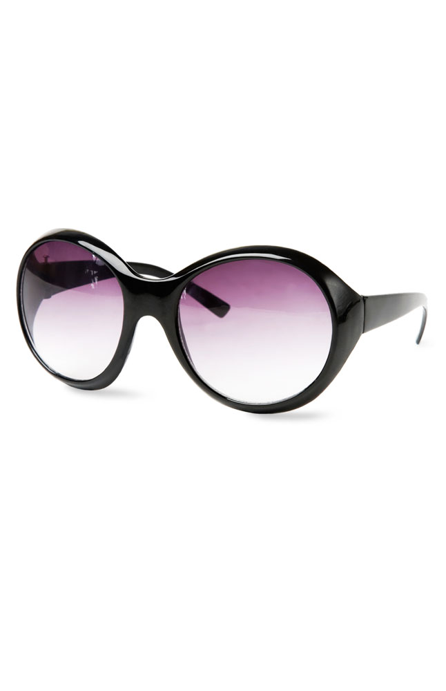Gusso Black-Rimmed Round Sunglasses